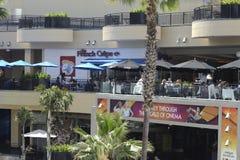 Tiendas y restaurantes en el teatro de Kodak Fotografía de archivo libre de regalías