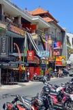 Tiendas y restaurantes en Seminyak, Bali Fotos de archivo