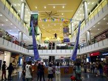 Tiendas y tiendas dentro de la ciudad Masinag del SM Imagenes de archivo