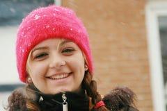 Tiener in de winter stock foto