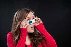 Tiener die 3D bioskoopervaring heeft Royalty-vrije Stock Afbeeldingen