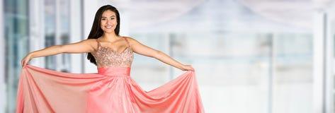 Tiener die naar Prom gaan royalty-vrije stock afbeeldingen