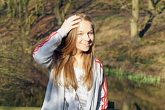 Tiener in het hout Royalty-vrije Stock Afbeelding