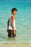Tiener in het water Royalty-vrije Stock Fotografie