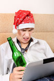 Tiener met een Bier en een Tablet Royalty-vrije Stock Foto