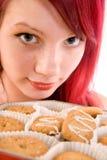 Tiener met koekjes Stock Foto