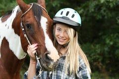 Tiener met paard Royalty-vrije Stock Foto's