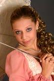 Tiener met Parasol stock afbeelding