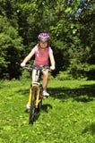 Tiener op een fiets Royalty-vrije Stock Afbeelding