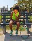 Tiener vrouwelijke tennisspeler Stock Foto's
