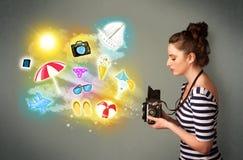 Tienerfotograaf die foto's van vakantie geschilderde pictogrammen maken Royalty-vrije Stock Foto's