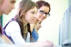 Tienerjaren in Internet-koffie Royalty-vrije Stock Foto