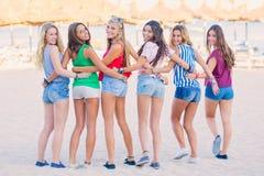Tienerjaren op de zomervakantie Royalty-vrije Stock Foto