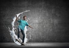Tienerjongen op vleet Stock Foto