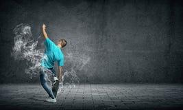 Tienerjongen op vleet Stock Foto's