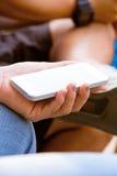 Tieners met Mobiele Telefoon royalty-vrije stock fotografie