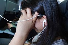 Tienervermaak tijdens de vlucht royalty-vrije stock foto