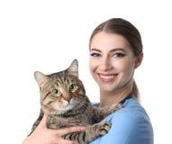 Tierarzt Doc. mit Katze auf Weiß lizenzfreies stockfoto