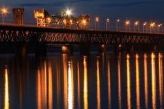 2-tiered мост дороги и рельса через реку Dnieper в городе Dnipro Стоковая Фотография RF