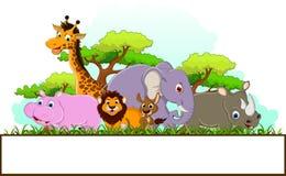 Tierkarikatur mit leerem Zeichen und tropischem Waldhintergrund Lizenzfreies Stockbild