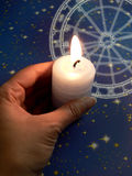 Tierkreis in der Kerzeleuchte Stockfotografie