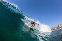 Tierra de Balito del agua que practica surf Imagen de archivo