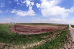Tierra de cultivo colgante en las colinas del loess del sudoeste Iowa Imagen de archivo libre de regalías