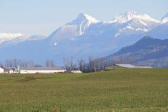 Tierra de cultivo del valle imagenes de archivo