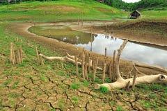 Tierra de la sequía y lugar hermoso en Tailandia Imagen de archivo libre de regalías