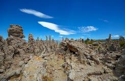 Tierra de la toba volcánica, mono lago Imagen de archivo