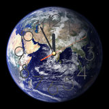Tierra del este del funcionamiento del tiempo hacia fuera - Fotos de archivo