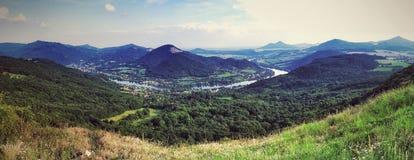 Tierra del río Fotos de archivo libres de regalías