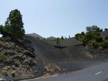 Tierra del volcán en camino Fotos de archivo