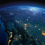Tierra detallada Canad? occidental y septentrional - Columbia Brit?nica, Alberta y otras provincias en una noche iluminada por la imagenes de archivo