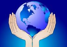 Tierra en las sus manos Imagen de archivo libre de regalías