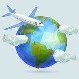 Tierra polivinílica baja del planeta, avión en el cielo con las nubes Imagen de archivo