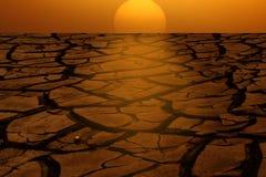 Tierra seca A de la salida del sol Imagenes de archivo