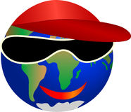 tierra sonriente del planeta con las gafas de sol y el casquillo Imágenes de archivo libres de regalías