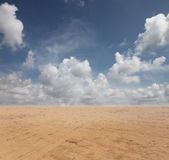 Tierra y cielo azul Imagen de archivo libre de regalías