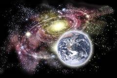 Tierra y galaxia del planeta en el fondo Imagenes de archivo