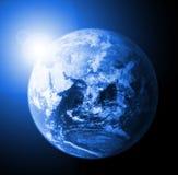 Tierra y sol libre illustration