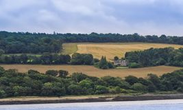 Tierras de labrantío en Queensferry del sur, Escocia foto de archivo libre de regalías