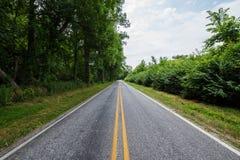 Tierras de labrantío rurales del condado de York Pennsylvania del país, en un día de verano Imagen de archivo libre de regalías