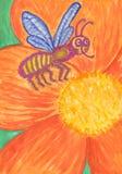 Tierras divertidas de la abeja en una flor anaranjada grande ilustración del vector
