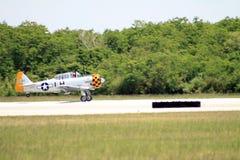 Tierras viejas del avión de combate Fotos de archivo