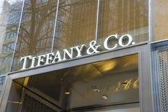 Tiffany und Co Logozeichen auf ihrem Speicher in Melbourne, Australien Stockbild