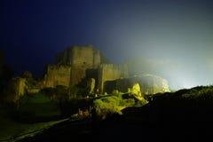Tiffauges - el castillo medieval en la noche Fotografía de archivo libre de regalías