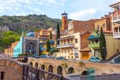 13 04 2018 Tiflis, Georgia - Architektur der alten Stadt von TB lizenzfreie stockfotos