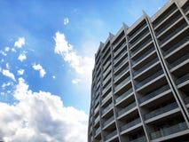 TIFLIS, GEORGIA - 17. MÄRZ 2018: Bau eines neuen hohen Wohnwohngebäudes in Tiflis, Georgia Stockfoto