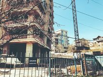 TIFLIS, GEORGIA - 25. MÄRZ 2018: Bau eines neuen hohen Wohnwohngebäudes in Tiflis, Georgia Lizenzfreie Stockfotografie